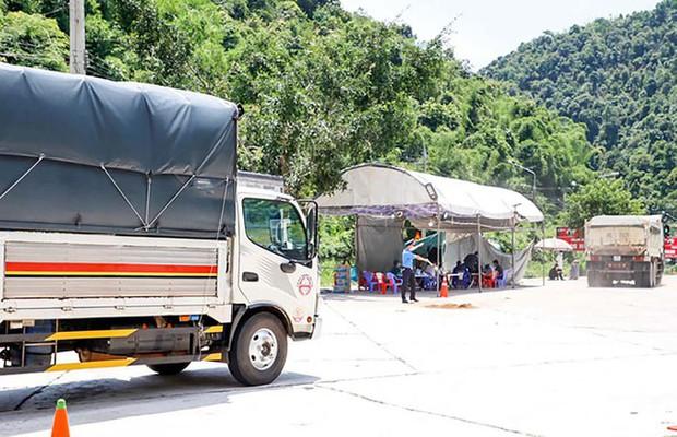 Từ 12h trưa nay, Lâm Đồng từ chối người trở về từ vùng dịch bằng phương tiện cá nhân - Ảnh 2.