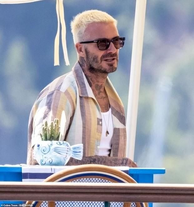 """Bổ mắt trước cảnh bố con Beckham khoe visual cực phẩm: Bố David U50 mà quá """"mlem"""", ai dè bị Harper xinh xỉu lấn át - Ảnh 7."""