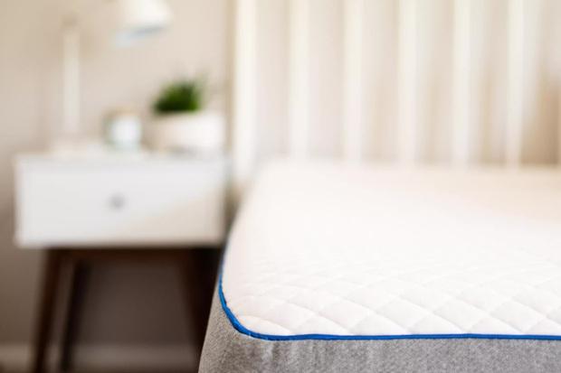 Trong phòng ngủ có 7 thứ bẩn kinh dị nhưng nhiều người quên vệ sinh, 1 món chứa vi khuẩn nhiều gấp 4000 lần toilet - Ảnh 6.