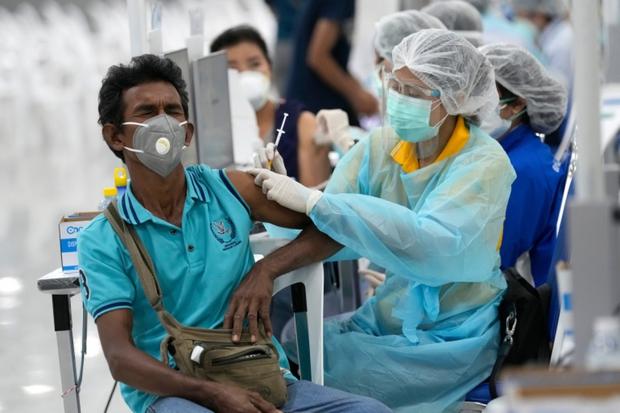 Khoảng 500.000 người ở Bangkok (Thái Lan) có thể đã mắc Covid-19 không triệu chứng - Ảnh 1.