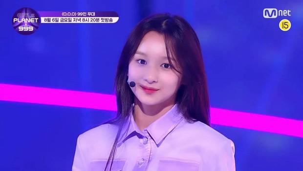 Mnet tung sân khấu chính thức của show sống còn mới: Nguyên dàn visual xinh như mộng, nhưng đến bộ ba center thì tụt mood - Ảnh 13.