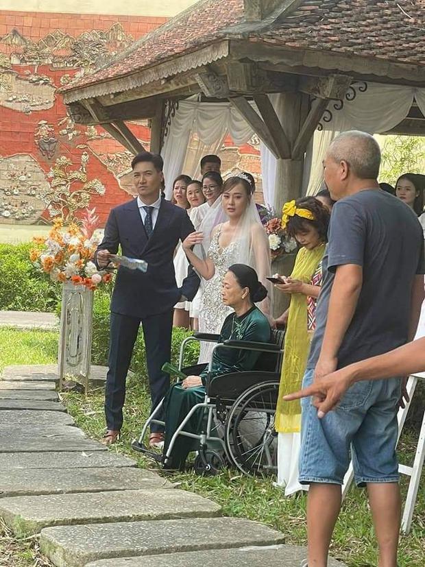 Lộ ảnh cưới của Nam - Long ở Hương Vị Tình Thân, khán giả bỗng quay xe đòi thay chú rể gấp! - Ảnh 3.