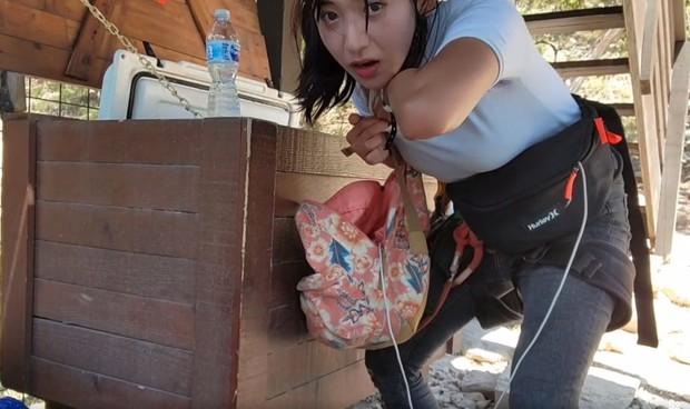 Đặt nước đá vào vòng một rồi khoe với khán giả, nữ streamer bị CĐM ném đá dữ dội vì không biết xấu hổ - Ảnh 3.