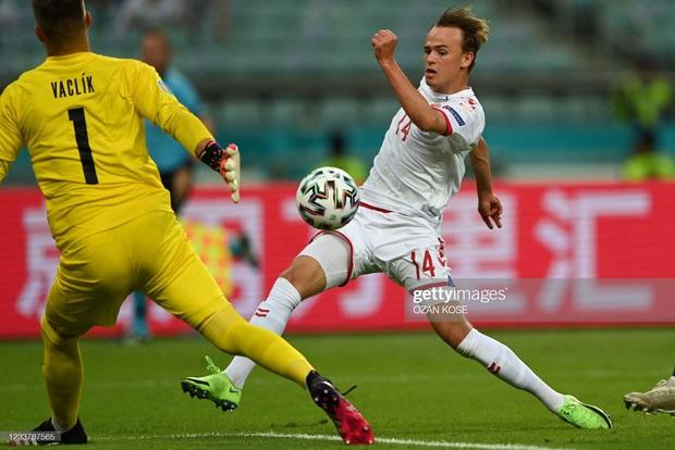 Đánh bại CH Séc, các đồng đội của Eriksen vào bán kết Euro 2020 - Ảnh 12.