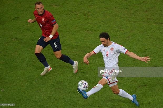 Đánh bại CH Séc, các đồng đội của Eriksen vào bán kết Euro 2020 - Ảnh 11.