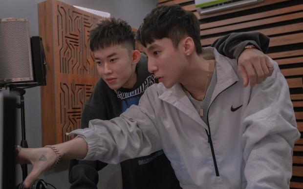 Bất ngờ chưa: Netizen bắt gặp chị gái Thiều Bảo Trâm comment dạo dưới MV của gà nhà Sơn Tùng M-TP - Ảnh 4.