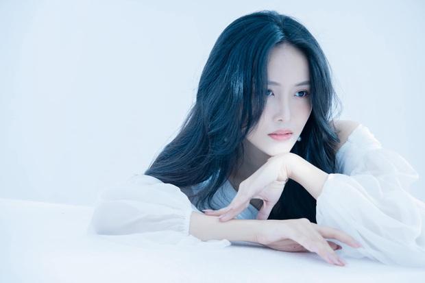 Á hậu Trương Mỹ Nhân tiết lộ phải trả nợ cho mẹ suốt 10 năm vì lô đề, tuyên bố bà ấy có chết cũng không quan tâm - Ảnh 4.