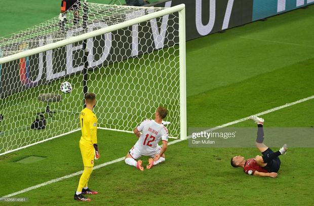 Đánh bại CH Séc, các đồng đội của Eriksen vào bán kết Euro 2020 - Ảnh 9.