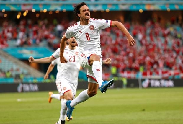 Đánh bại CH Séc, các đồng đội của Eriksen vào bán kết Euro 2020 - Ảnh 14.