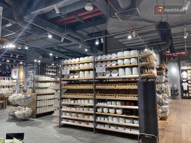Shopping nhanh tại MUJI Hà Nội: Cực nhiều đồ hay ho giá vài chục nghìn, đồ đắt xắt ra miếng cũng không thiếu - Ảnh 3.