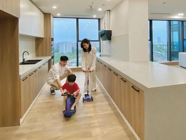 Sắm 2 xe sang + 2 căn chung cư trong chưa đầy 2 năm, vợ chồng Trang Lou - Tùng Sơn giàu cỡ nào? - Ảnh 13.