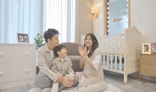 Sắm 2 xe sang + 2 căn chung cư trong chưa đầy 2 năm, vợ chồng Trang Lou - Tùng Sơn giàu cỡ nào? - Ảnh 17.
