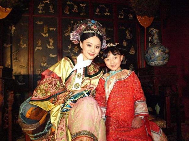 Con gái cưng của Chân Hoàn - Lung Nguyệt công chúa dậy thì xinh hết nấc, còn trở thành đại diện Hoa ngữ tiến đánh Oscar? - Ảnh 1.