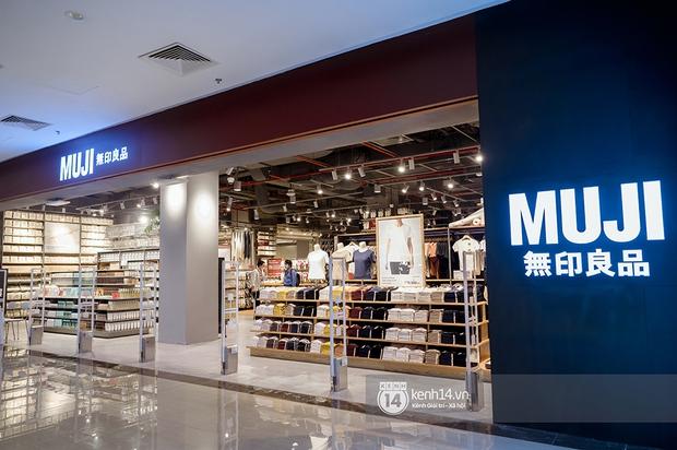 MUJI đặt nhà máy sản xuất ở Việt Nam, đảm bảo giá mua tại store rẻ hơn xách tay, không lo ngại khi store sát cạnh UNIQLO - Ảnh 1.