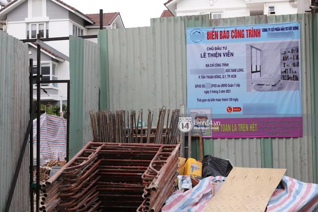 Thuỷ Tiên - Công Vinh bị netizen soi điểm khó hiểu ở biệt thự đang xây: Chủ đầu tư ở giấy phép và ở biển công trình khác hẳn nhau? - Ảnh 2.