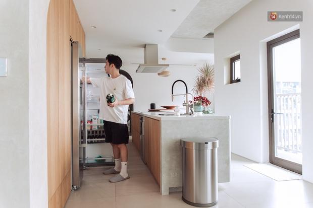 Vũ Dino khoe căn bếp đỉnh của chóp trong penthouse 8 tỷ, đồ bếp siêu tối tân check giá món nào cũng phải trầm trồ - Ảnh 3.