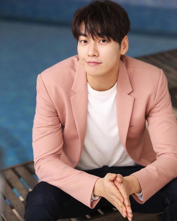 Trời ơi showbiz có ai được như Yoona: Sắp được cặp với 7 tài tử hạng A cực phẩm, Hyun Bin và Lee Dong Wook chưa phải hot nhất - Ảnh 12.