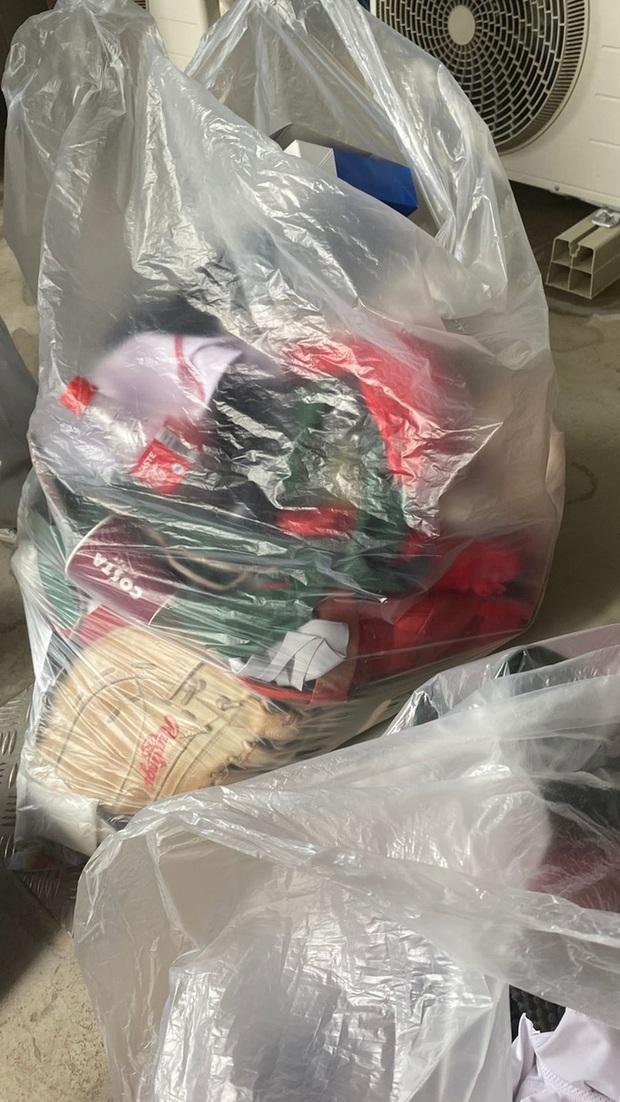 Biến căng tại Olympic: VĐV bóng mềm Mexico hủy hoại hình ảnh quốc gia khi ném đồ thi đấu vào thùng rác, đối mặt nguy cơ phải hầu tòa - Ảnh 2.