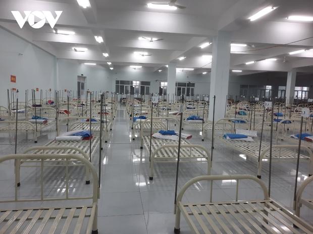 Tiền Giang khẩn trương xử lý các ổ dịch lớn tại 2 Khu công nghiệp  - Ảnh 2.