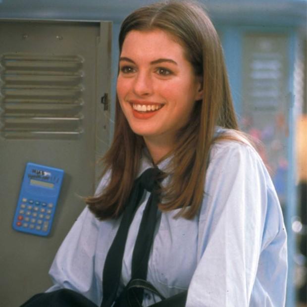 Ngất ngây ảnh nữ thần ngực khủng Anne Hathaway hóa công chúa: Nhan sắc chuẩn báu vật Hollywood, khí chất vương giả khó ai bì - Ảnh 10.