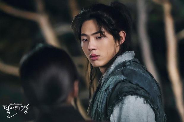 5 phim Hàn 2021 điêu đứng vì phốt của diễn viên: Mấy ai dám chơi lớn, xóa sổ luôn Ji Soo như ekip Sông Trăng - Ảnh 1.