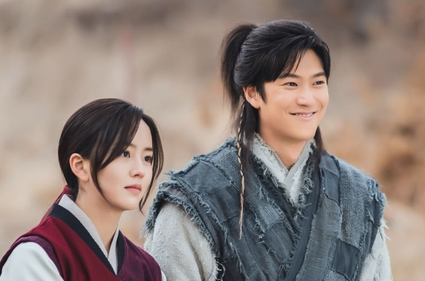 5 phim Hàn 2021 điêu đứng vì phốt của diễn viên: Mấy ai dám chơi lớn, xóa sổ luôn Ji Soo như ekip Sông Trăng - Ảnh 2.