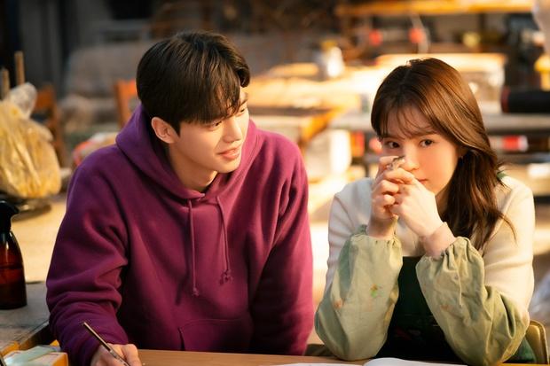 6 phim Hàn có tam giác tình yêu xoắn não cực mạnh: Nevertheless gây tranh cãi, bao năm vẫn khóc ròng vì cái kết Reply 1988 - Ảnh 1.