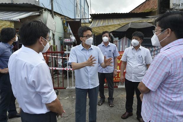 Phó Thủ tướng tha thiết đề nghị các tỉnh nhường vắc-xin cho TP.HCM - Ảnh 2.