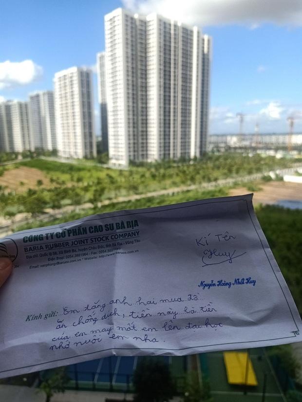 Nhận tiền học bổng, em trai liền gửi ngay cho anh kèm lời nhắn: Tặng anh hai mua đồ ăn phòng dịch - Ảnh 3.