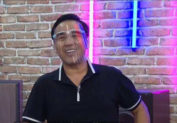 MC Quyền Linh bị trộm dọn sạch nhà vì đạo chích... đọc báo biết đi quay phim 2 tháng! - Ảnh 1.