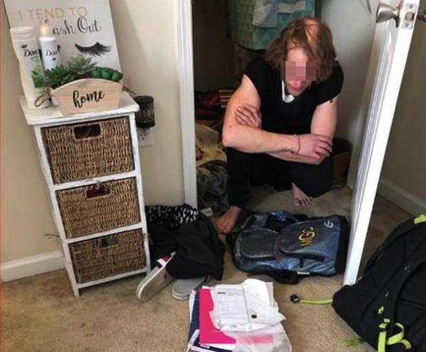 Thiếu nữ 15 tuổi giấu bạn trai 36 tuổi trong tủ quần áo cả tháng trời mà không ai hay biết, bí mật về mối tình bệnh hoạn khiến bố mẹ chết lặng - Ảnh 2.