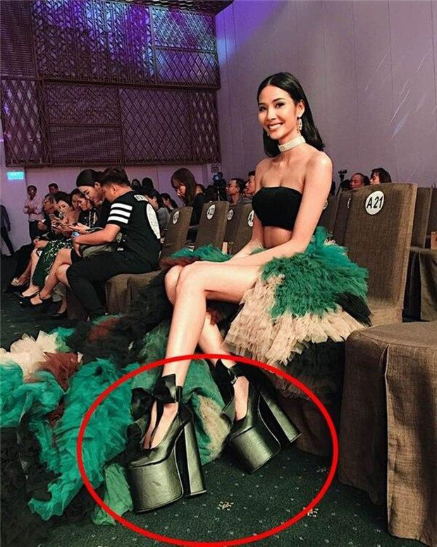 Kinh hoàng giày cao gót của sao: Nhìn Khánh Vân mà sợ ngã gãy chân, Hoà Minzy đi guốc gần 30cm nhưng vẫn thua trùm cuối - Ảnh 7.