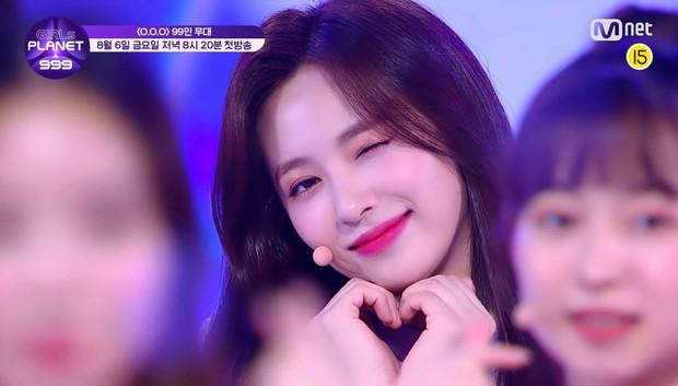 Có 1 nữ idol sinh năm 2000 đang gây bão show sống còn mới: Tình tứ với Park Bo Gum, visual lai cả nữ thần Nancy và TWICE - Ảnh 3.