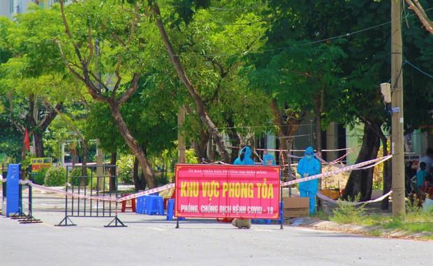 Đà Nẵng phong tỏa 1 phường có hơn 20.000 dân do Covid-19 - Ảnh 1.