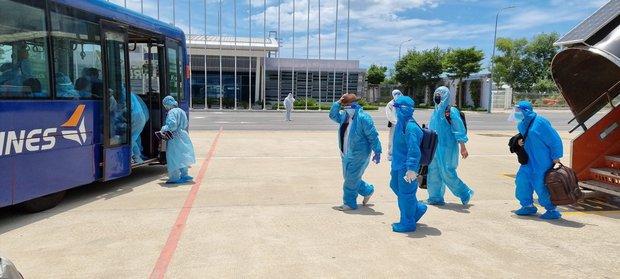 Thêm 2 chuyến bay miễn phí đưa 400 người từ TP.HCM về quê Quảng Nam - Ảnh 3.