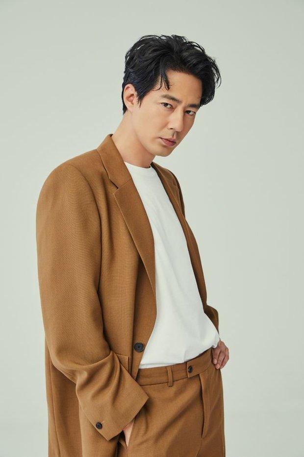 """30 diễn viên hot nhất xứ Hàn: Jo In Sung và """"mợ ngố"""" Song Ji Hyo thống trị BXH, Park Seo Joon vừa vào Marvel đã át cả Song Joong Ki - Ảnh 2."""