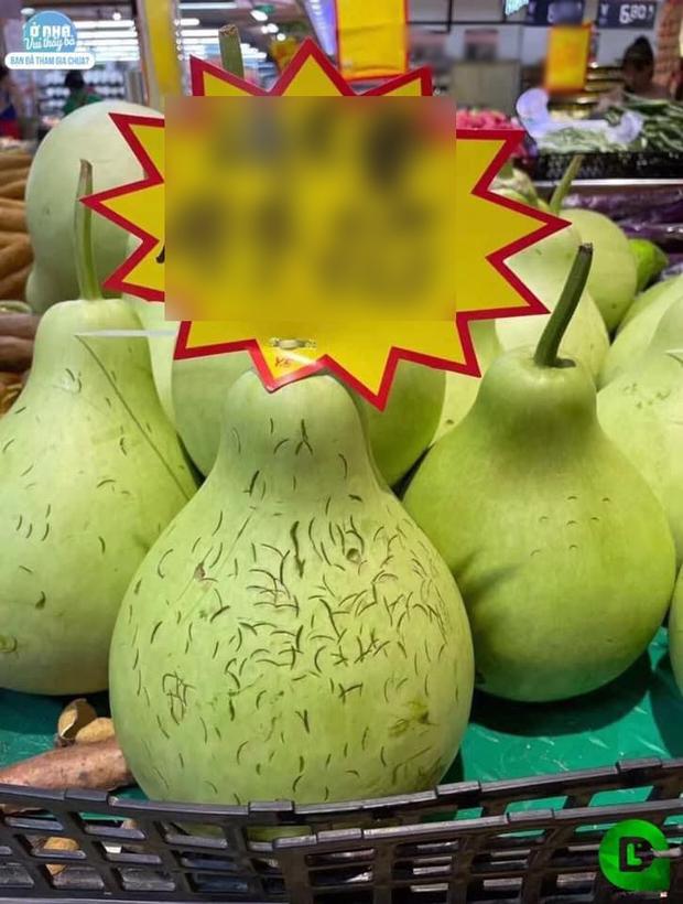 Một thói quen xấu của nhiều người khi mua hoa quả gây nhức nhối, ở Việt Nam hay nước ngoài đều bắt gặp - Ảnh 1.