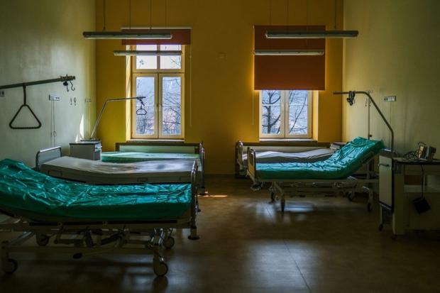 Khủng hoảng nguồn lực y tế tại Ba Lan - Ảnh 1.