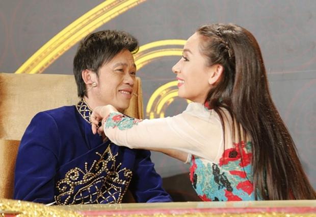 Xôn xao clip Phi Nhung tiết lộ suýt làm vợ Hoài Linh, nam danh hài liền có phản ứng cực phũ: Nằm mơ đi nha Nhung - Ảnh 4.