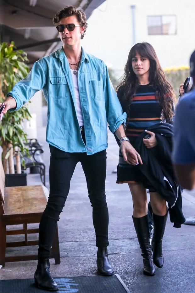 Camila Cabello không phải lúc nào cũng bú rù, nàng vẫn có ít nhất 5 lần mặc đẹp khi hẹn hò với người yêu - Ảnh 2.
