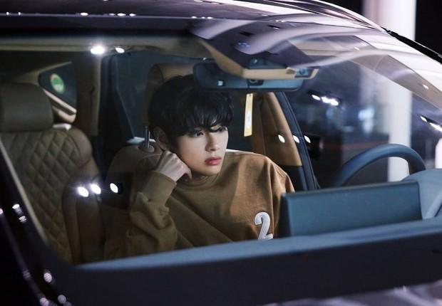 V (BTS), IU và các idol từng bị lừa đảo, bóc lột trước khi debut, giờ nhìn vào thành công khiến ai cũng ghen tị! - Ảnh 2.