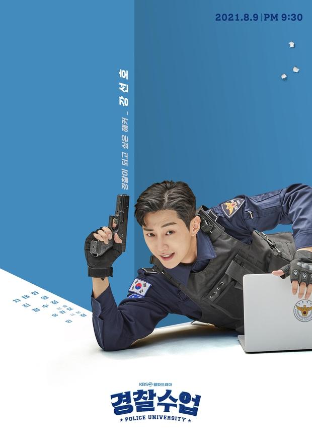 Chết chìm với bể visual bùng nổ của cảnh sát Krystal ở phim mới, netizen đùa bắt em đi chị ơi - Ảnh 7.