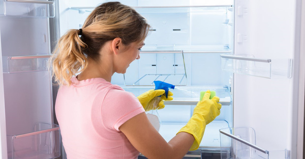5 bước vệ sinh tủ lạnh nhanh chóng và khử mùi khó chịu cực nhàn cho chị em - Ảnh 4.