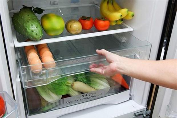 5 bước vệ sinh tủ lạnh nhanh chóng và khử mùi khó chịu cực nhàn cho chị em - Ảnh 5.