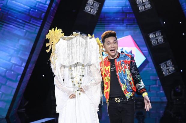 Hòa Minzy ngỡ ngàng với màn nhận nhầm người quen của Minh Vương M4U: Chưa từng gọi là chú hay yêu cháu trai anh Vương! - Ảnh 1.