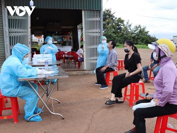 Đắk Lắk ghi nhận thêm 21 trường hợp nghi nhiễm SARS-CoV-2 - Ảnh 1.
