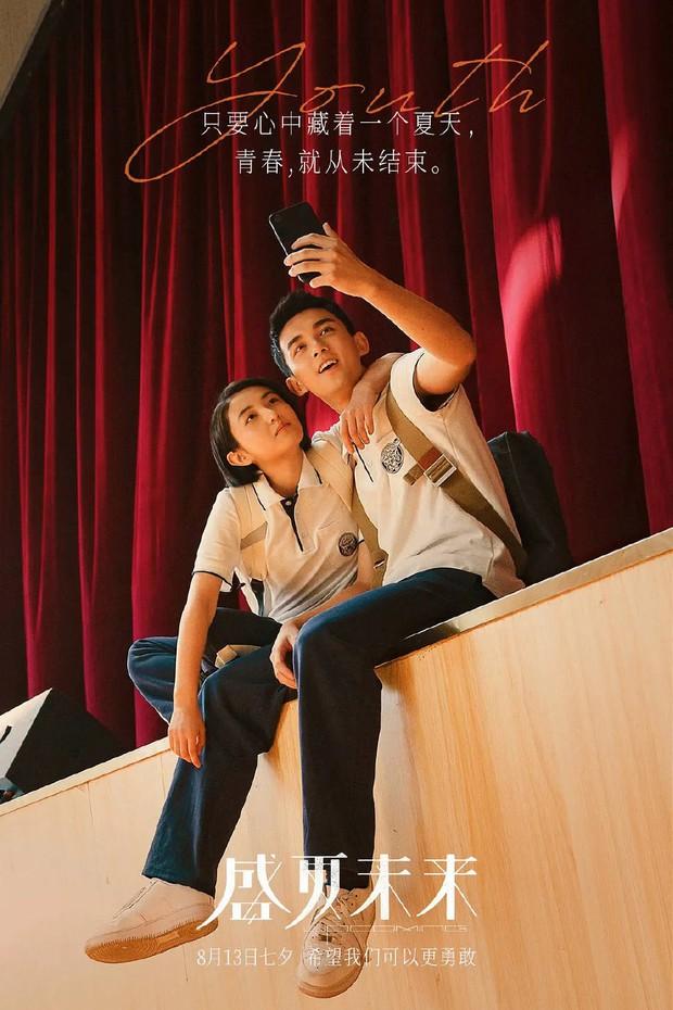 Phim tình củm của Ngô Lỗi - Trương Tử Phong ẵm 184 tỷ thổi bay phòng vé, fan nghi anh chị yêu nhau thật mà giấu - Ảnh 2.