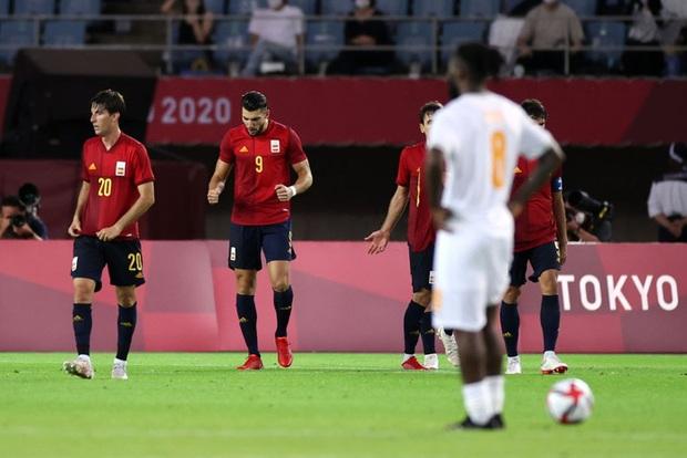 Hậu vệ Bờ Biển Ngà phá game, giúp Tây Ban Nha trở về từ cõi chết, ngược dòng giành vé vào bán kết Olympic - Ảnh 13.