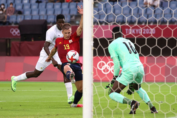 Hậu vệ Bờ Biển Ngà phá game, giúp Tây Ban Nha trở về từ cõi chết, ngược dòng giành vé vào bán kết Olympic - Ảnh 5.