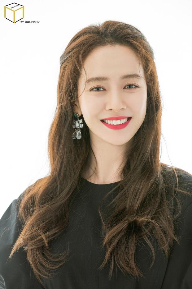 """30 diễn viên hot nhất xứ Hàn: Jo In Sung và """"mợ ngố"""" Song Ji Hyo thống trị BXH, Park Seo Joon vừa vào Marvel đã át cả Song Joong Ki - Ảnh 4."""